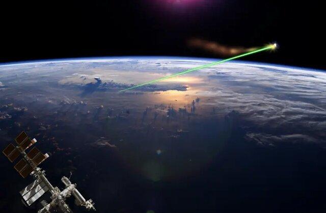 تاباندن انرژی الکتریکی به هر نقطه از زمین با یک صفحه خورشیدی فضایی