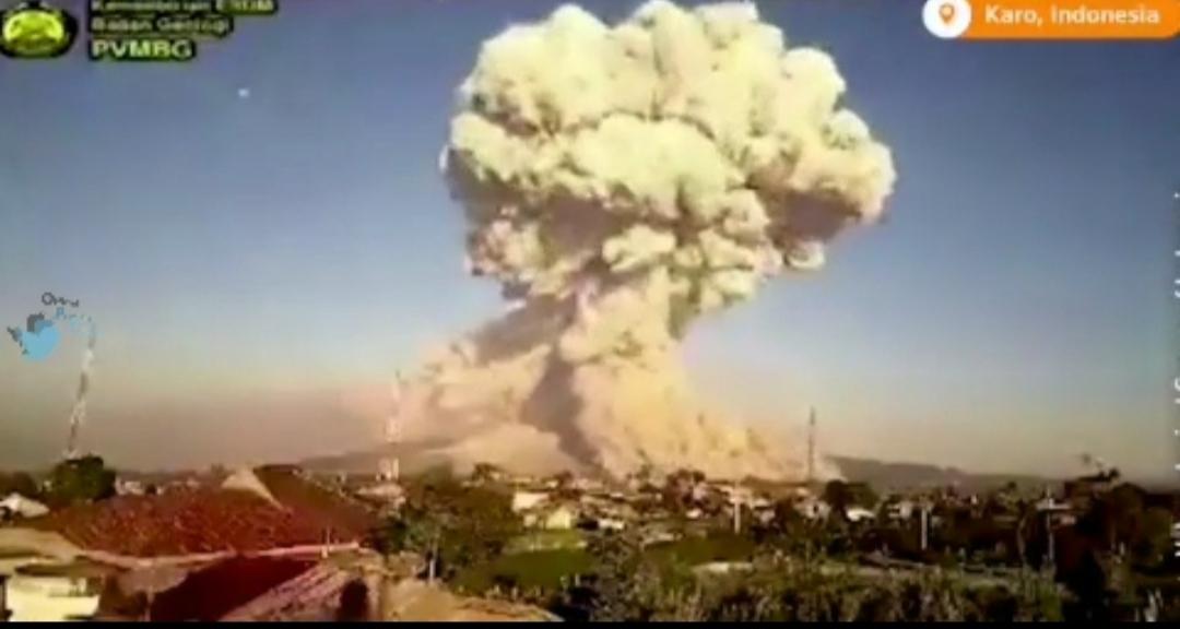 فوران آتشفشان در اندونزی +ویدئو