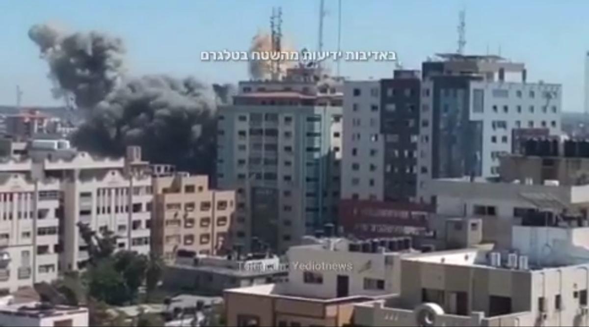 صهیونیستها برج «الجلاء» غزه را هدف قرار دادند + ویدئو