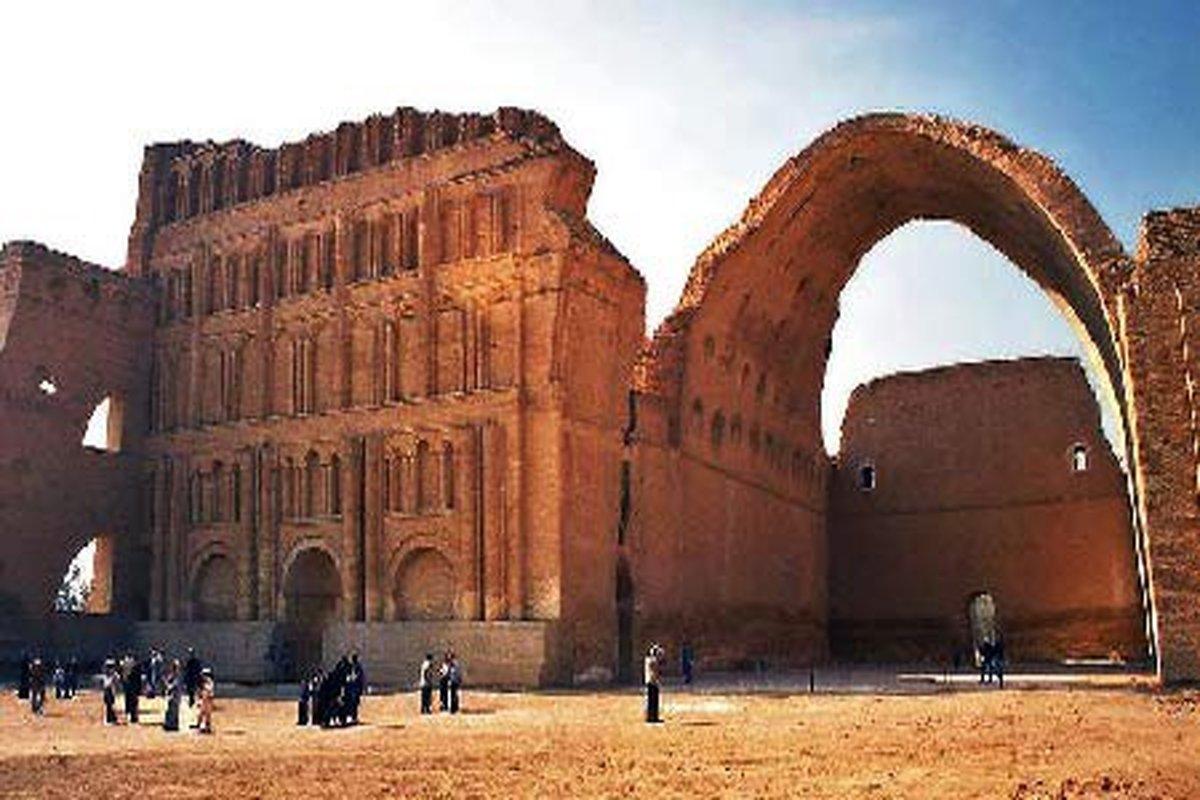 کارزار مردمی برای مرمت یک بنای تاریخی   تاق کسری را نجات دهید
