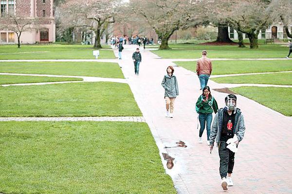 شوک به جامعه دانشگاهی ایالاتمتحده | دانشجویان خارجی از آمریکا دیپورت میشوند