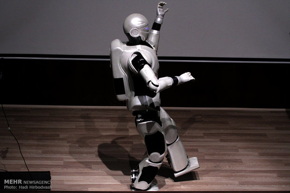 ربات ایرانی ساخت «سورنا» در جمع ۱۰ ربات برتر