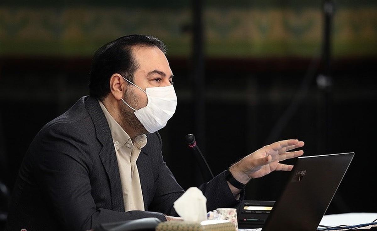 سخنگوی ستاد کرونا: در یکی از استانها یکی از مسئولین لباس پاکبان پوشیده و واکسن زده است