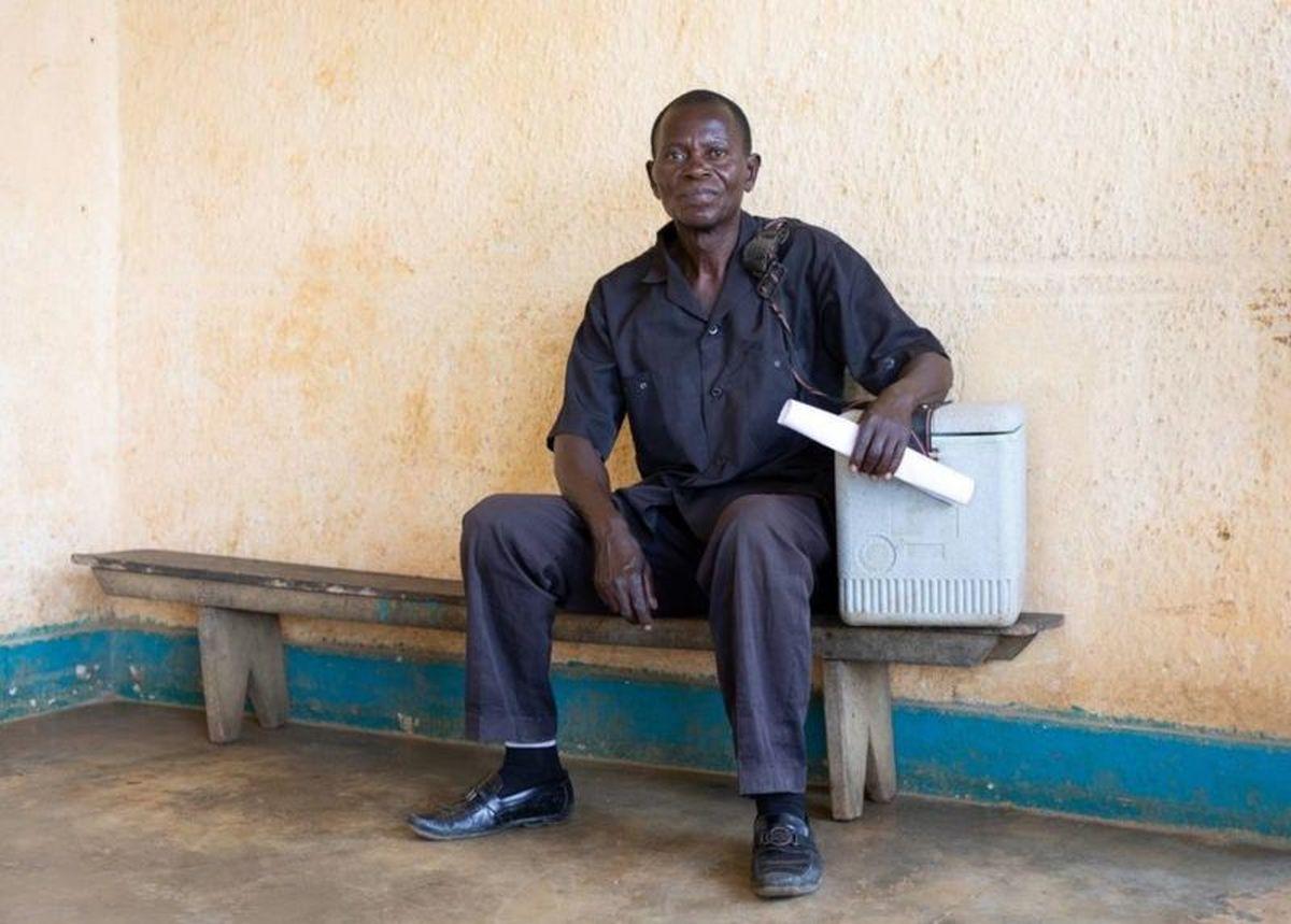 شیوع سرخک در کنگو/ توزیع واکسن با پای پیاده +عکس