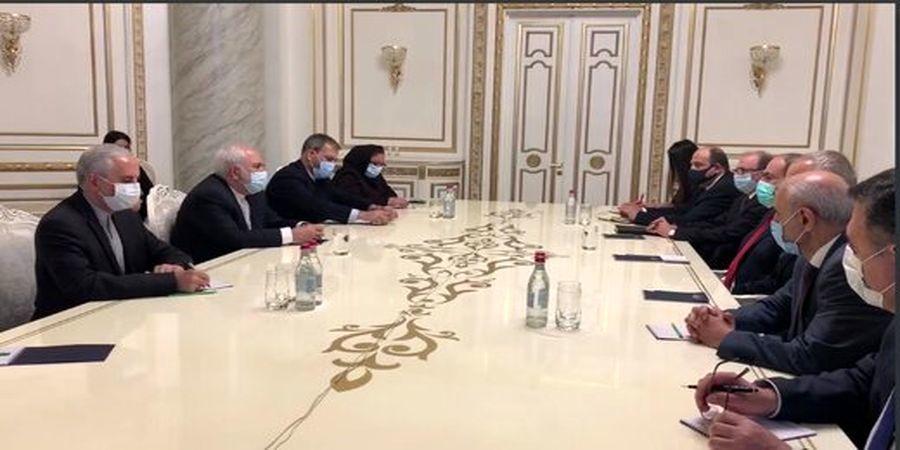 مقام معظم رهبری بر زندگی شرافتمندانه همه ارمنیها در منطقه تاکید دارند