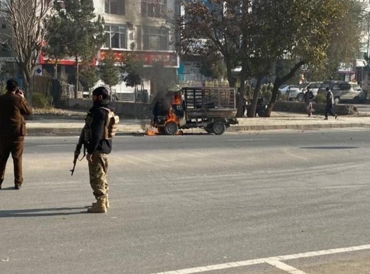 پرتاب ۱۴ موشک به کابل    ۳ نفر کشته و ۱۱ نفر زخمی شدند   یکی از موشکها در سفارت ایران فرود آمد