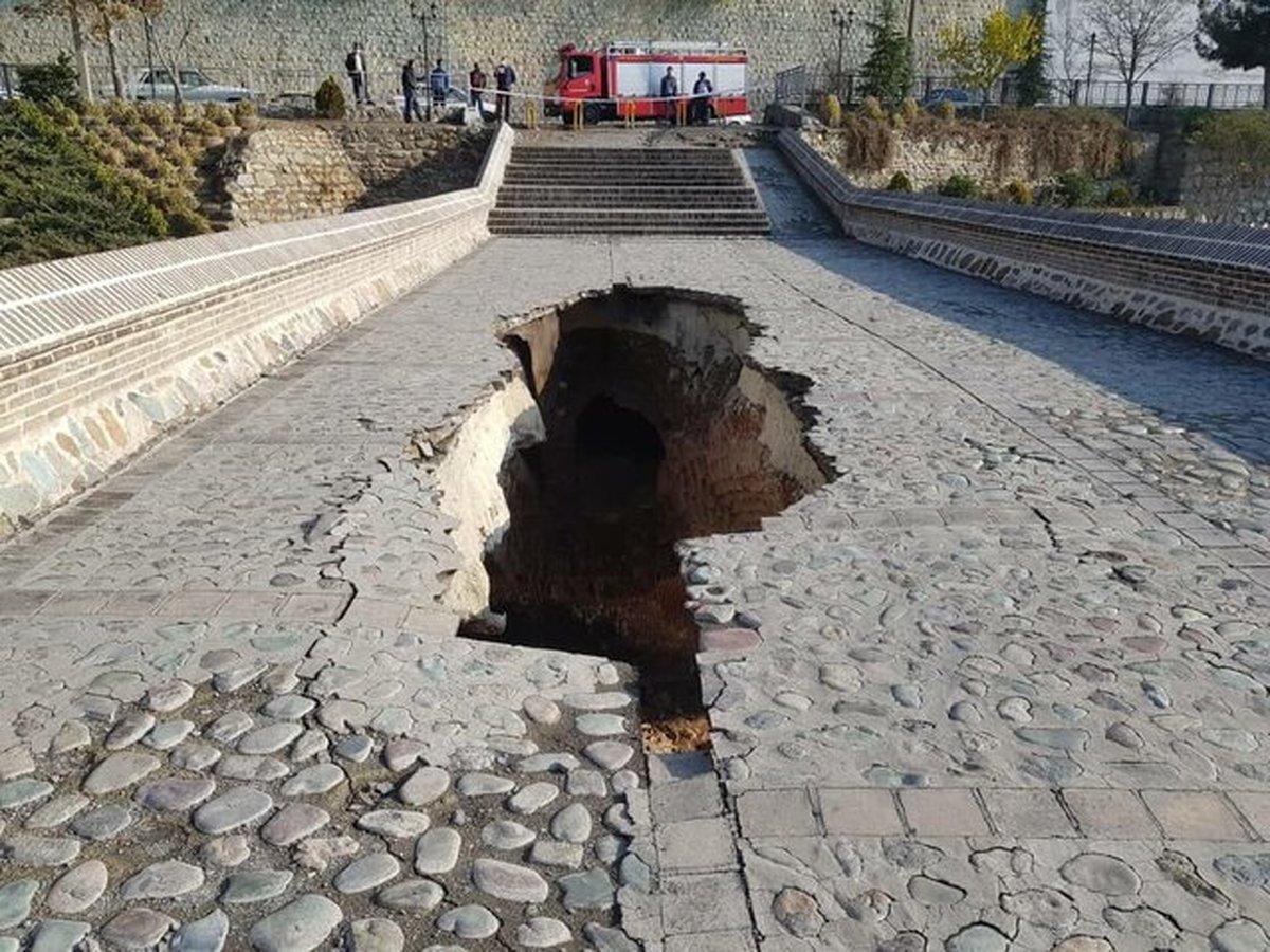 ریزش پل تاریخی خاتون در کرج + عکس