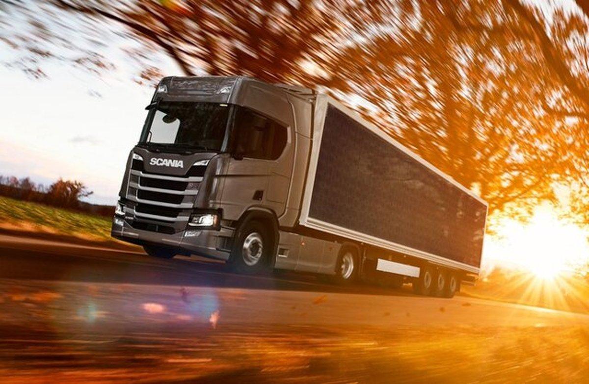 پوشاندن کامیون با صفحات خورشیدی برای تعیین میزان صرفه جویی در سوخت