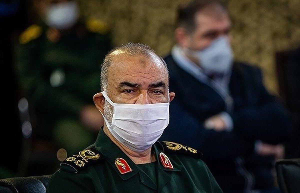 فرمانده کل سپاه: دشمنان در میدان جنگ سرگردان شده اند