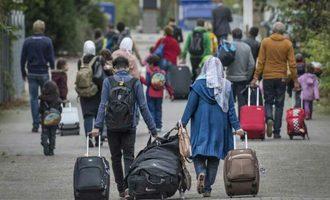 عوامل غیراقتصادی هدایت شهروندان به مهاجرت کداماند؟ | علیه ارزشهای شهروندان