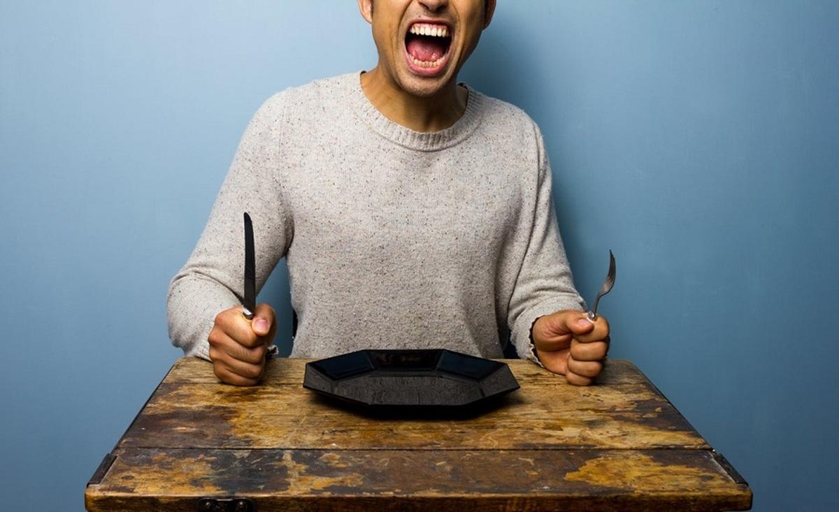 آیا هنگام گرسنگی به شدت عصبی و پرخاشگر هم میشوید؟ میدانید چرا؟!