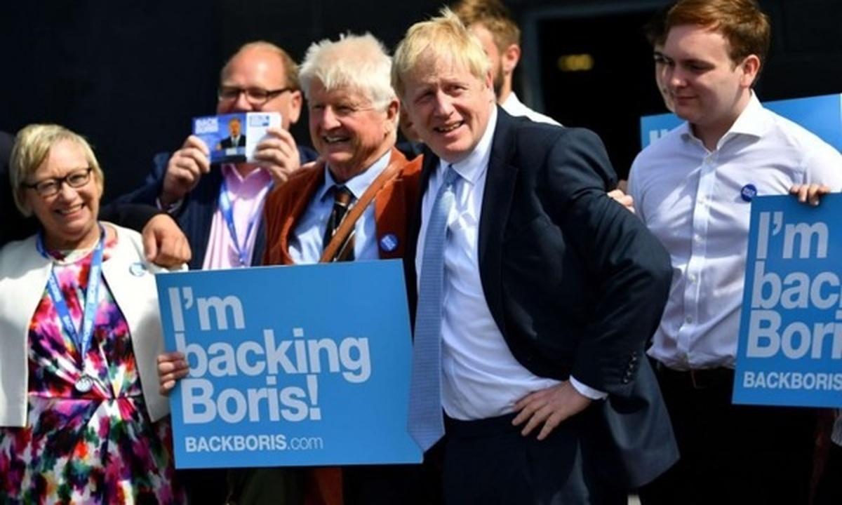 بوریس جانسون  |  پدر نخستوزیر بریتانیا خود را فرانسوی میداند