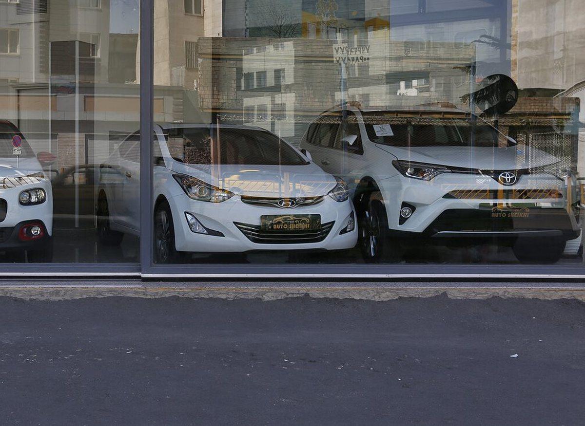 واردات خودرو بدون انتقال ارز و صادرات خودرو و قطعه به شرط امکان، بازار را متعادل خواهد کرد