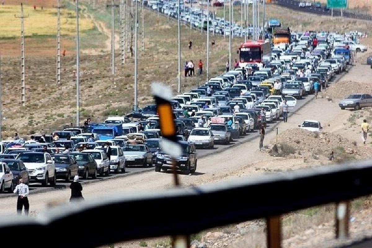 ترافیک سنگین در جاده چالوس و آزادراه کرج-تهران