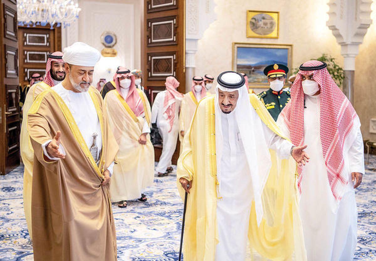 جانشین «قابوس» در عربستان به دنبال چیست؟ | سلطان عمان مهمان ملک سلمان پادشاه عربستان شد