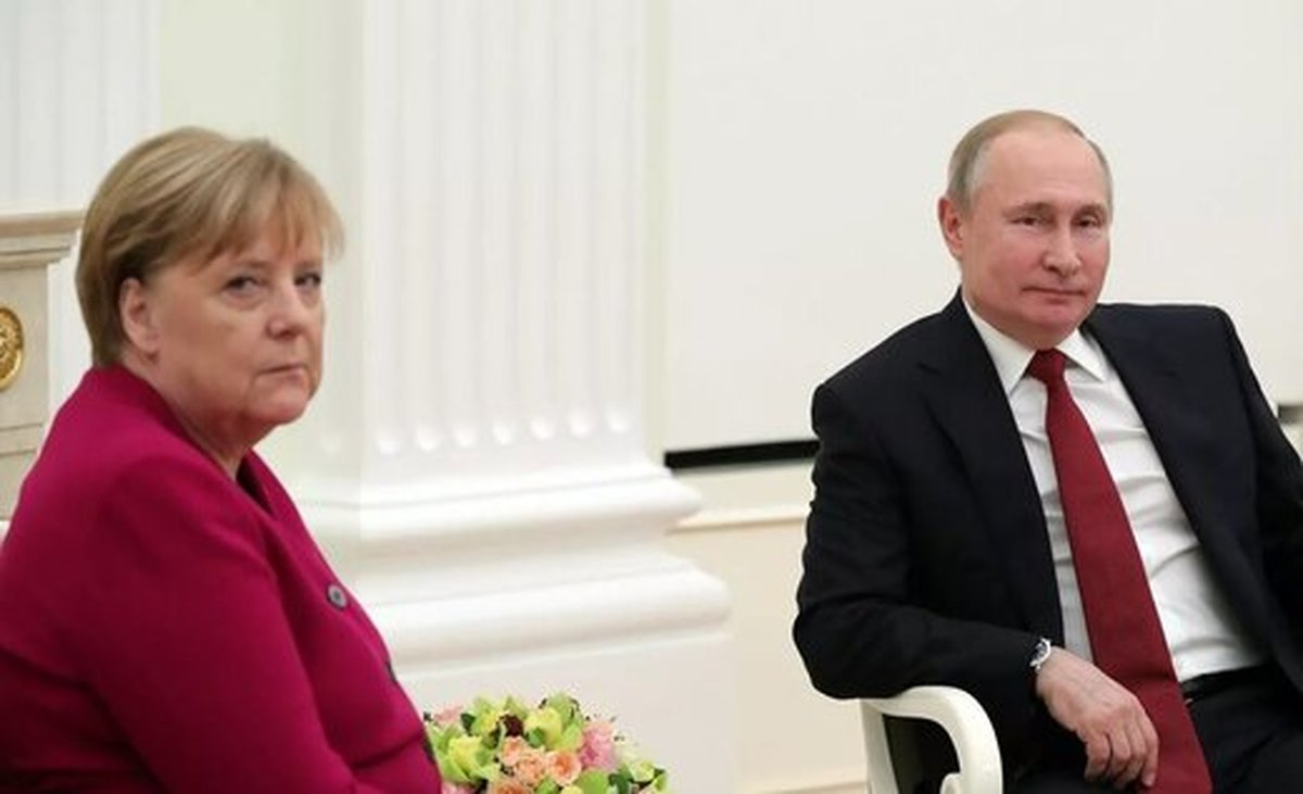 پوتین:  مرکل یک سیاستمدار کهنهکار و محکم است