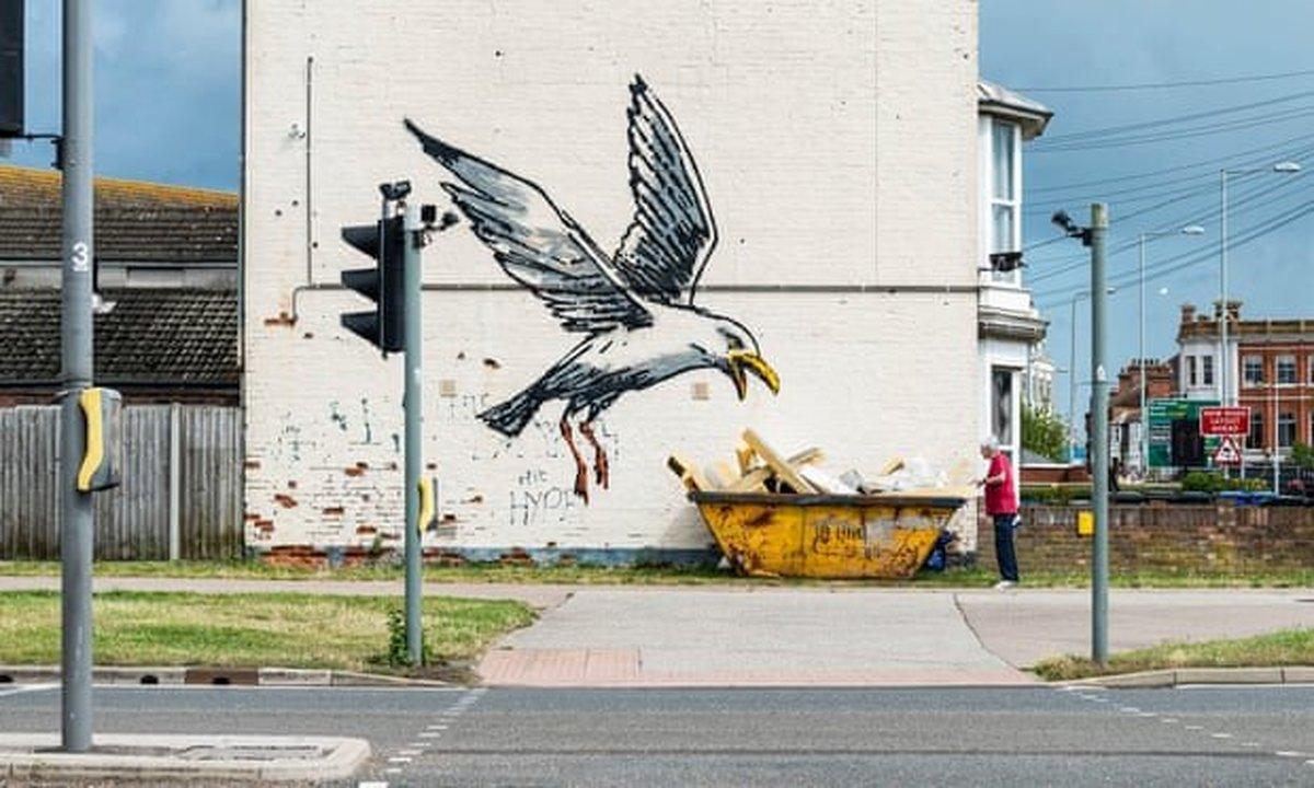 «بنکسی» نقاشیهای شهرهای ساحلی را تایید کرد