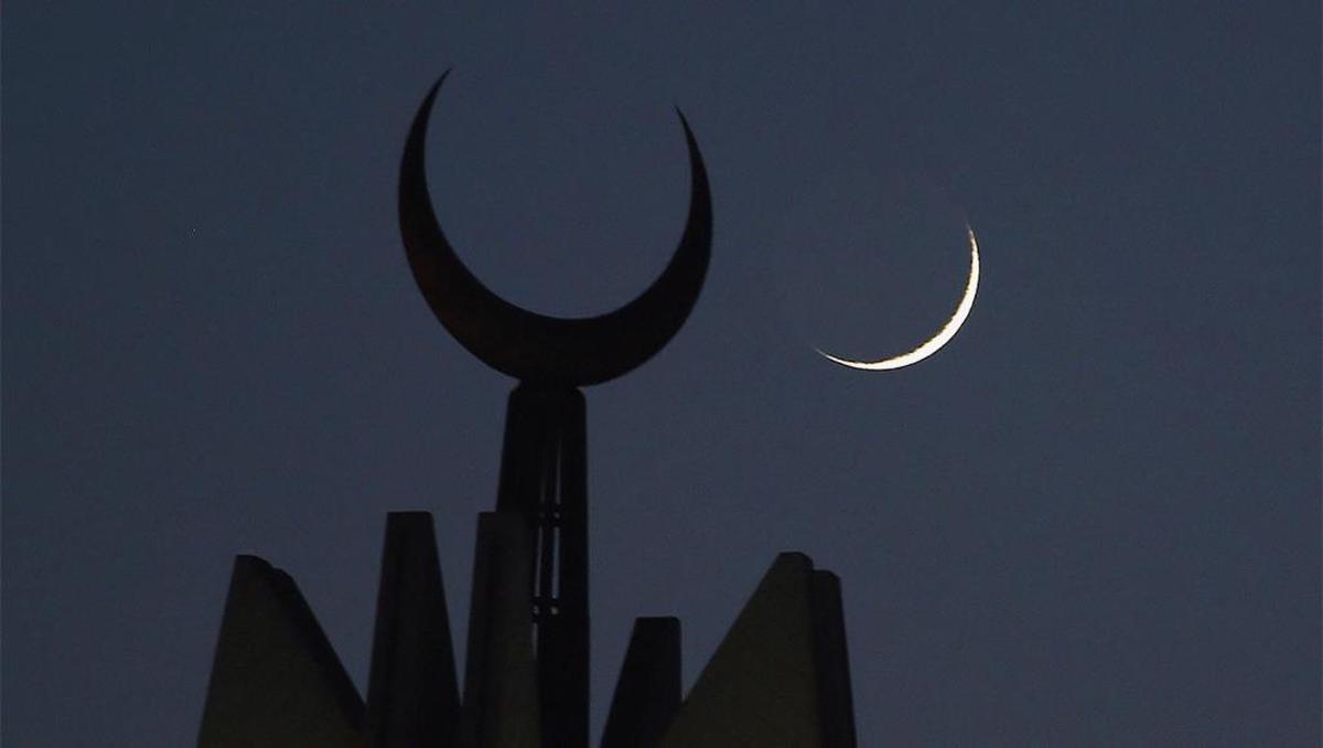 پنج کشور عربی فردا را اول ماه مبارک رمضان اعلام کردند