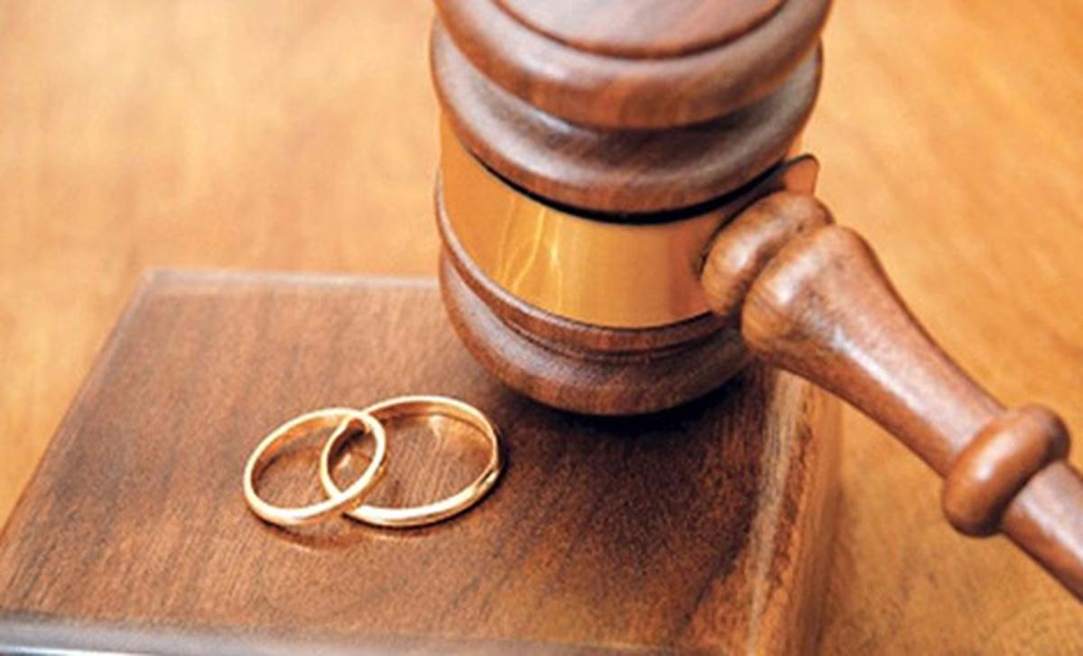 کاهش میانگین سن طلاق در فاصله سال های 92 تا 97 | به طور میانگین متولدین نیمه دوم دهه 70 در 18 سالگی طلاق را تجربه کردند