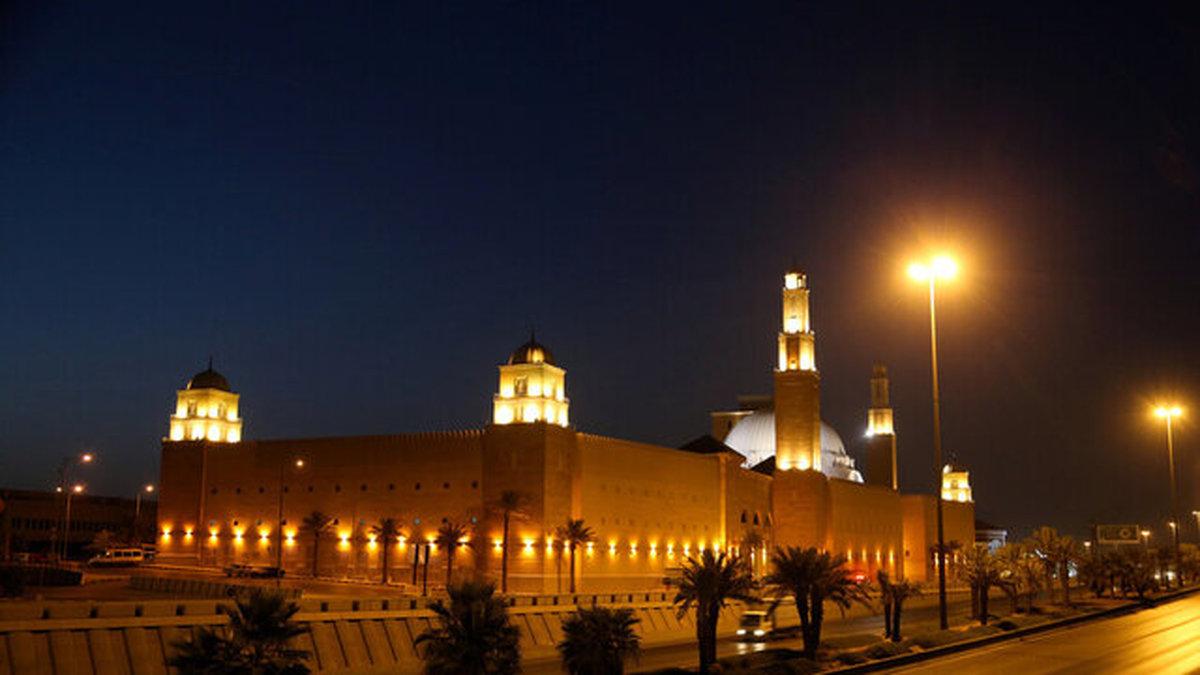 عربستان: بلندگوهای مساجد جزو عبادت نیستند