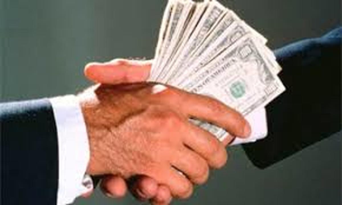 مدیران به خودشان پاداش پرداخت می کنند!