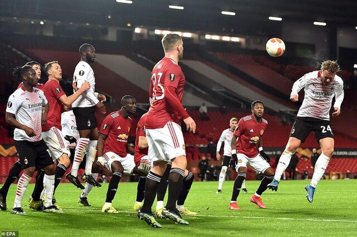 توقف یونایتد برابر میلان و برد پرگل آژاکس در لیگ اروپا