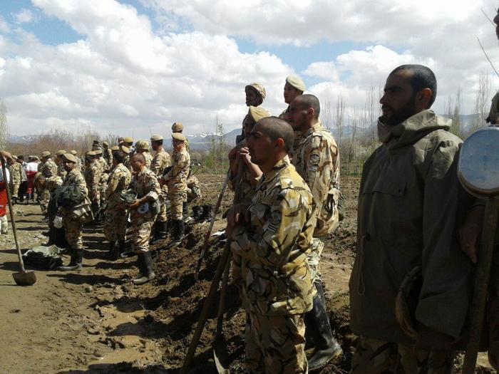 ارتش در مناطق زلزله زده مستقر شد