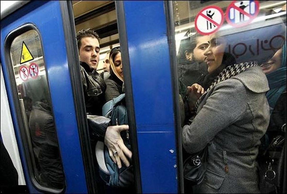 در مترو واگن آقایان نداریم
