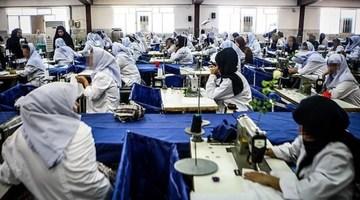 مصائب زنان کارگر، از کار ارزان تا گروگانگیری با چک