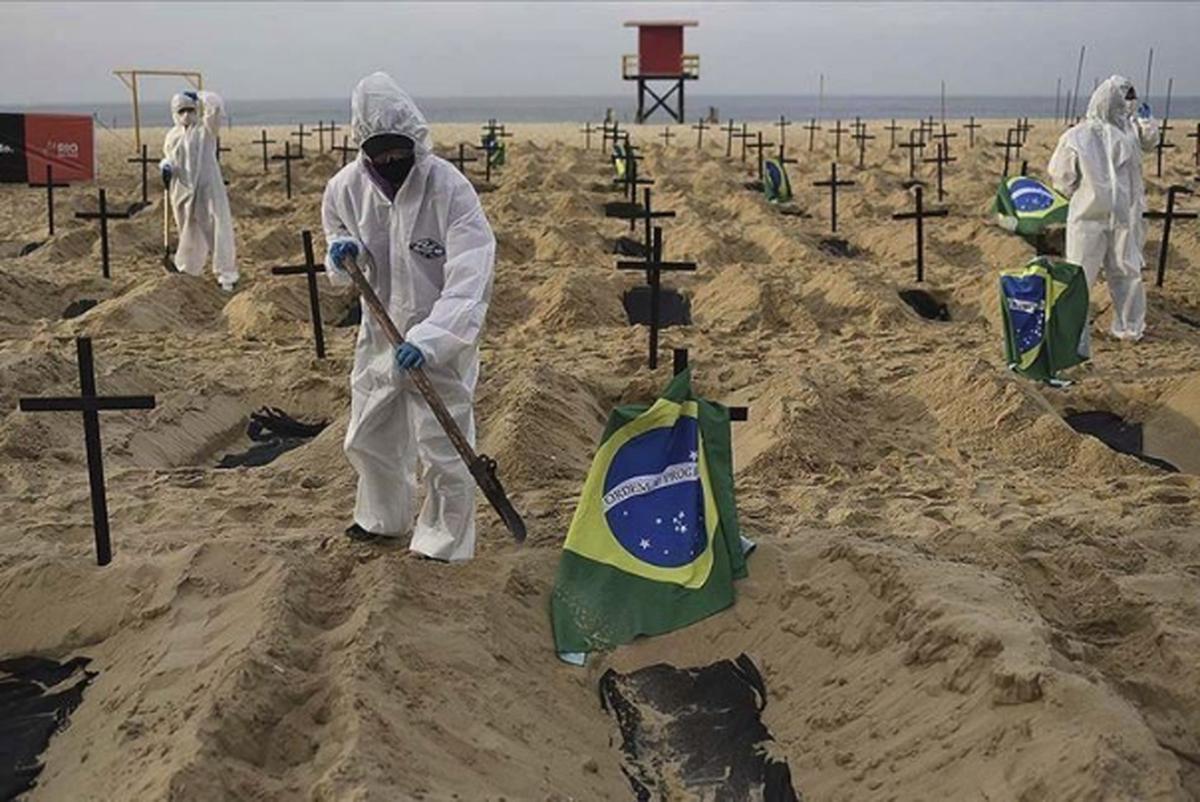 رییس جمهوری برزیل در واکنش به مرگ بیش از 260 هزار برزیلی بر اثر کرونا: غُر نزنید