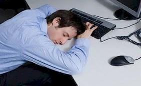 نظریه تازه دانشمندان امریکایی: کم خوابی استخوان ها را ضعیف می کند