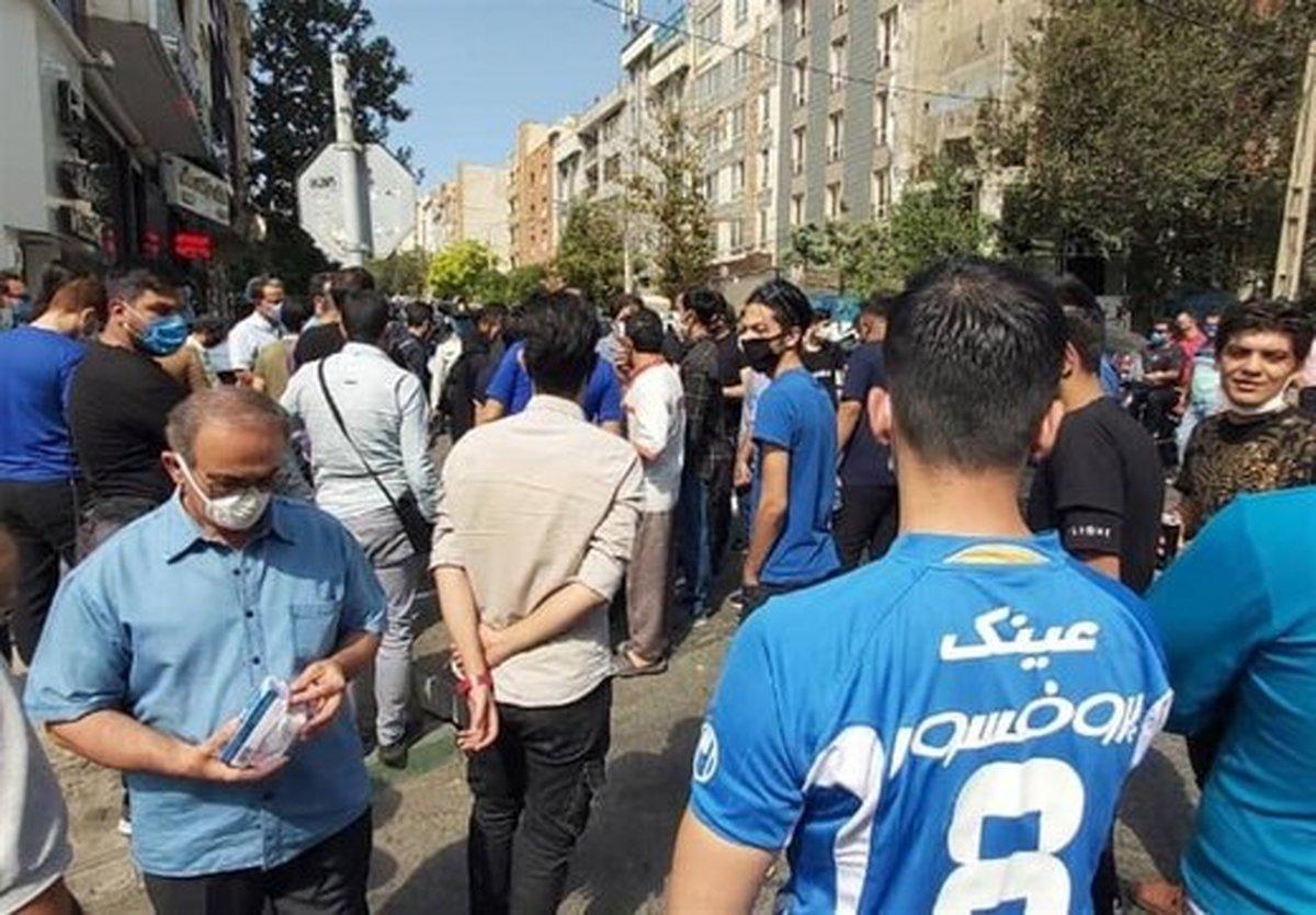 تجمع استقلالیها مقابل ساختمان قوه قضاییه | عکس