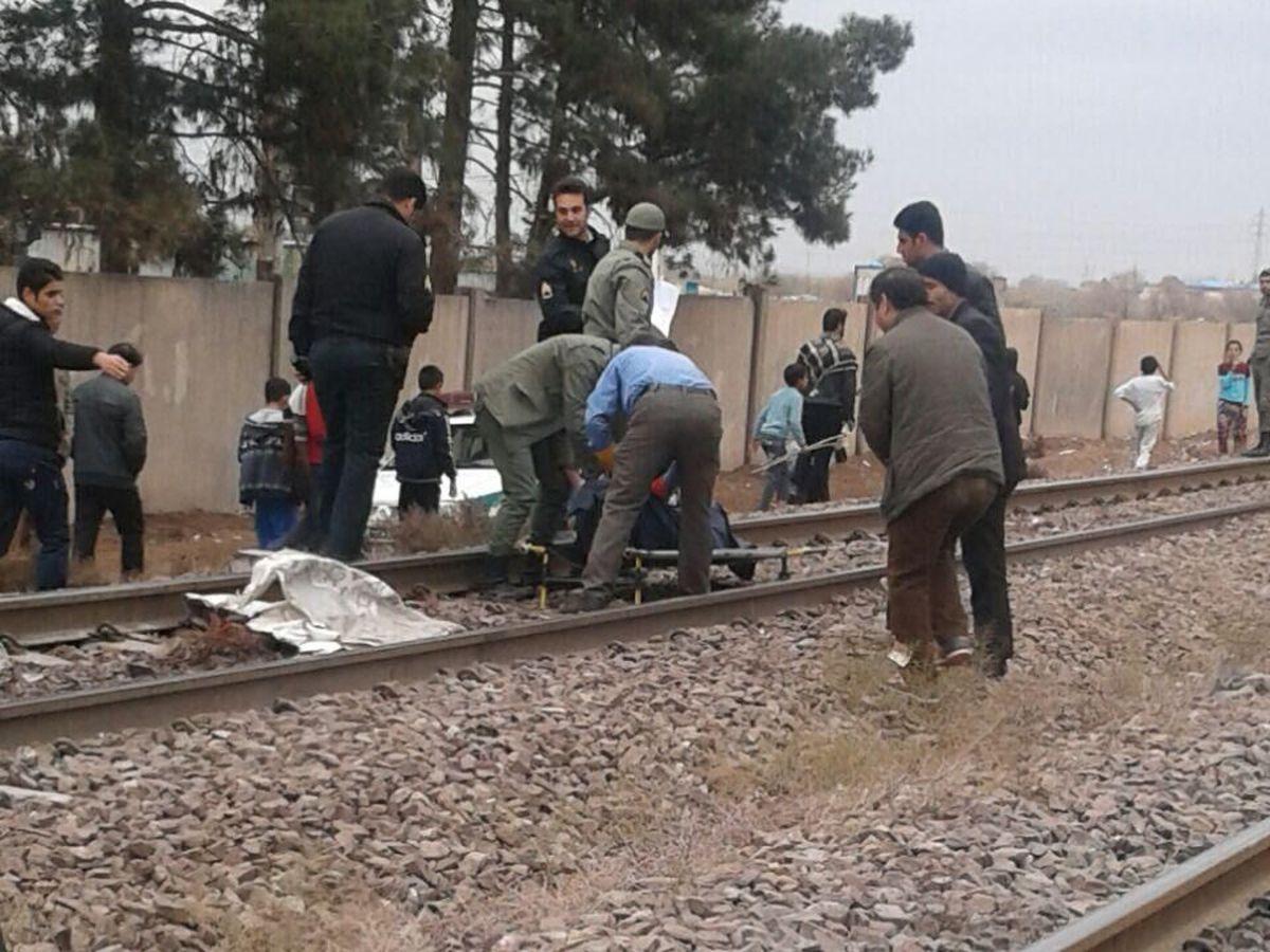 حادثه     مرگ عابر پیاده در برخورد با قطار در آبیک قزوین