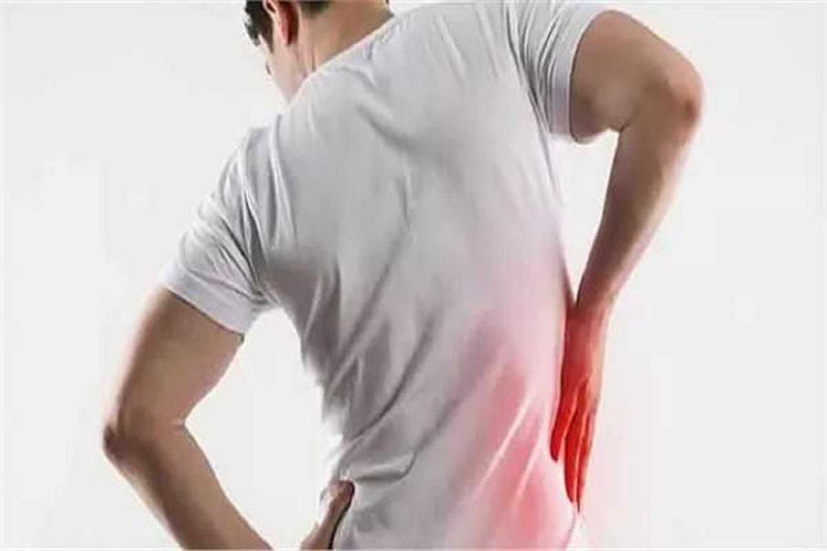 ۱۰ دلیل عمده احساس درد در کلیهها
