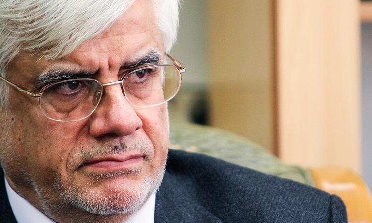 عارف از کاندیداتوری انتخابات ۱۴۰۰ انصراف داد