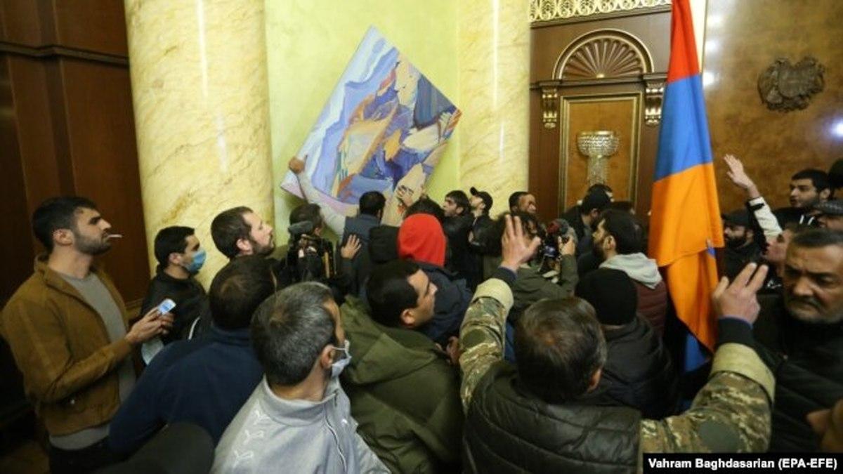 دولت ارمنستان به اپوزیسیون این کشور در مورد تلاش برای کودتا هشدار داد