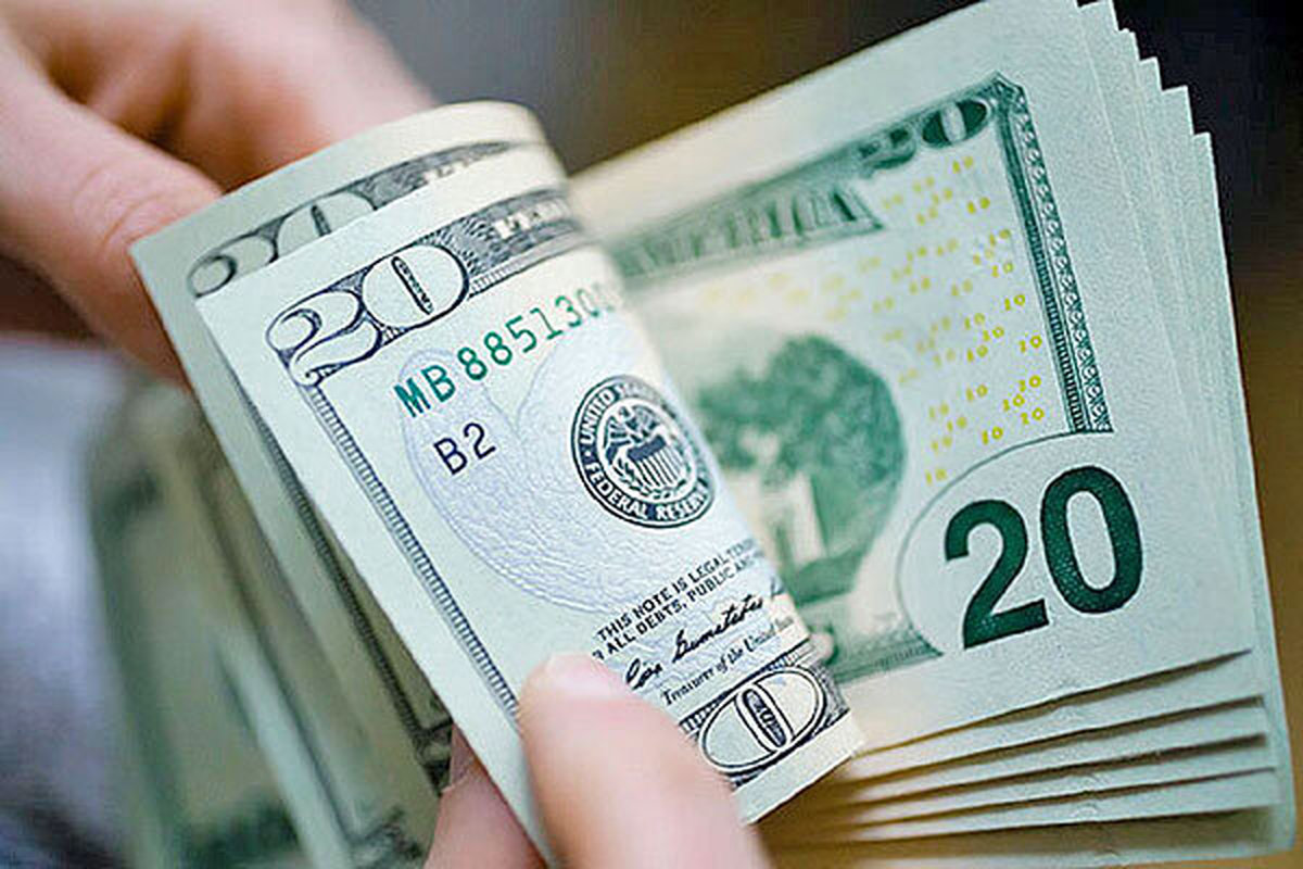برگشت دلار به 22 هزارتومان