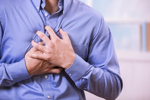 8 علامتی که شاید علائم سکته قلبی باشد