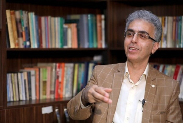 «گل آقا» مبتکر طنز اصیل بعد از انقلاب در ایران است