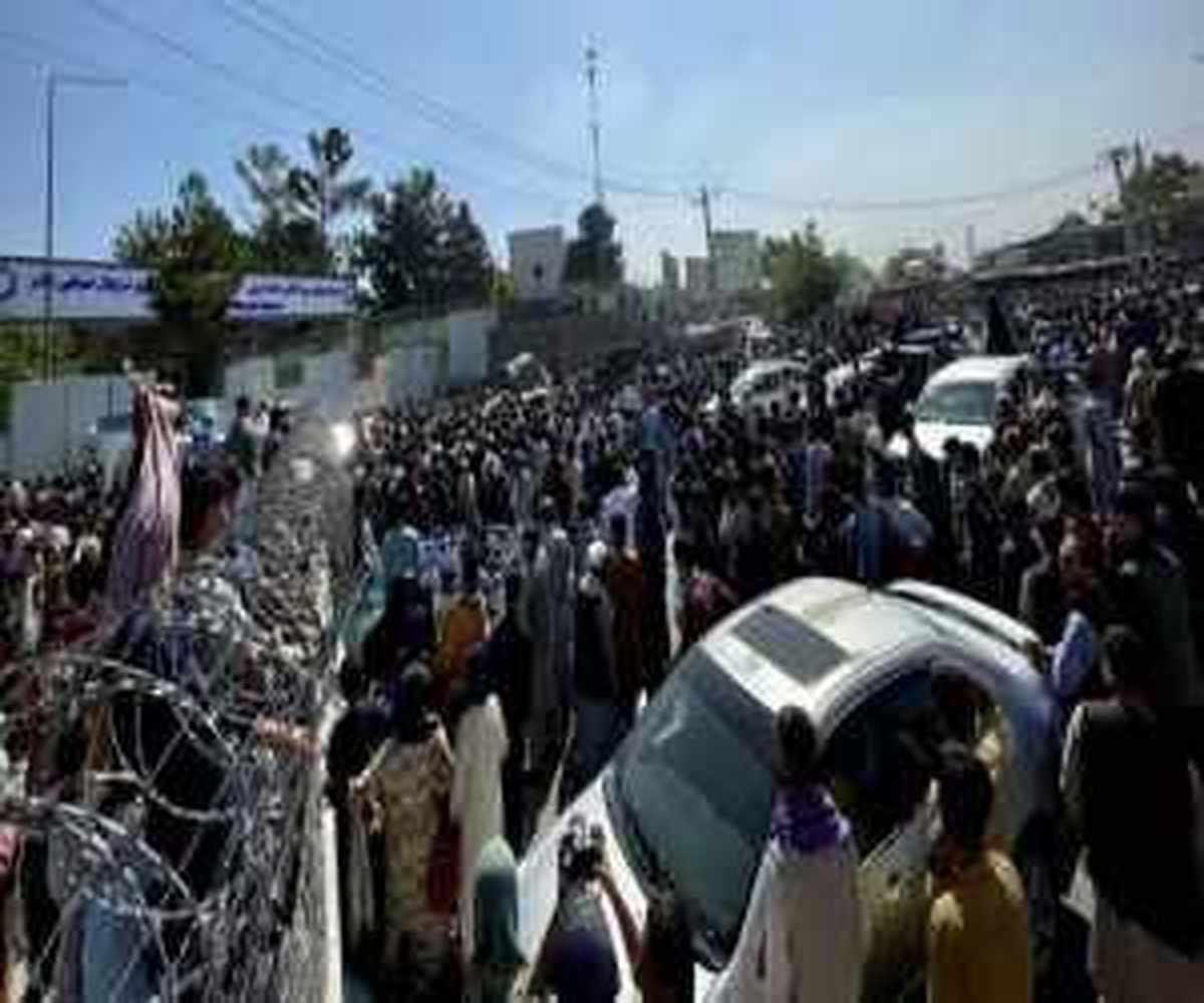 سقوط سه شهروند افغانستان از هواپیمای آمریکایی + ویدیو