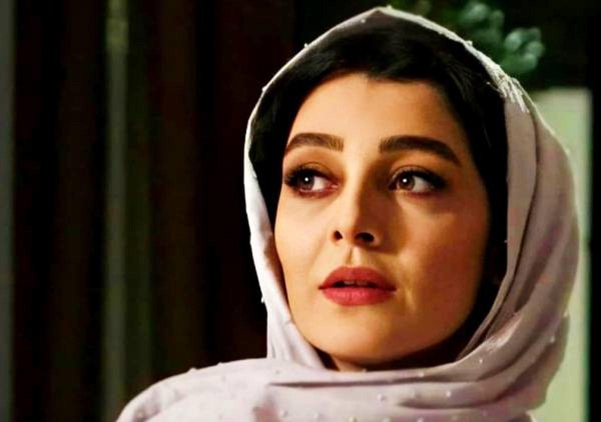 ساره بیات با تیپ متفاوت + عکس