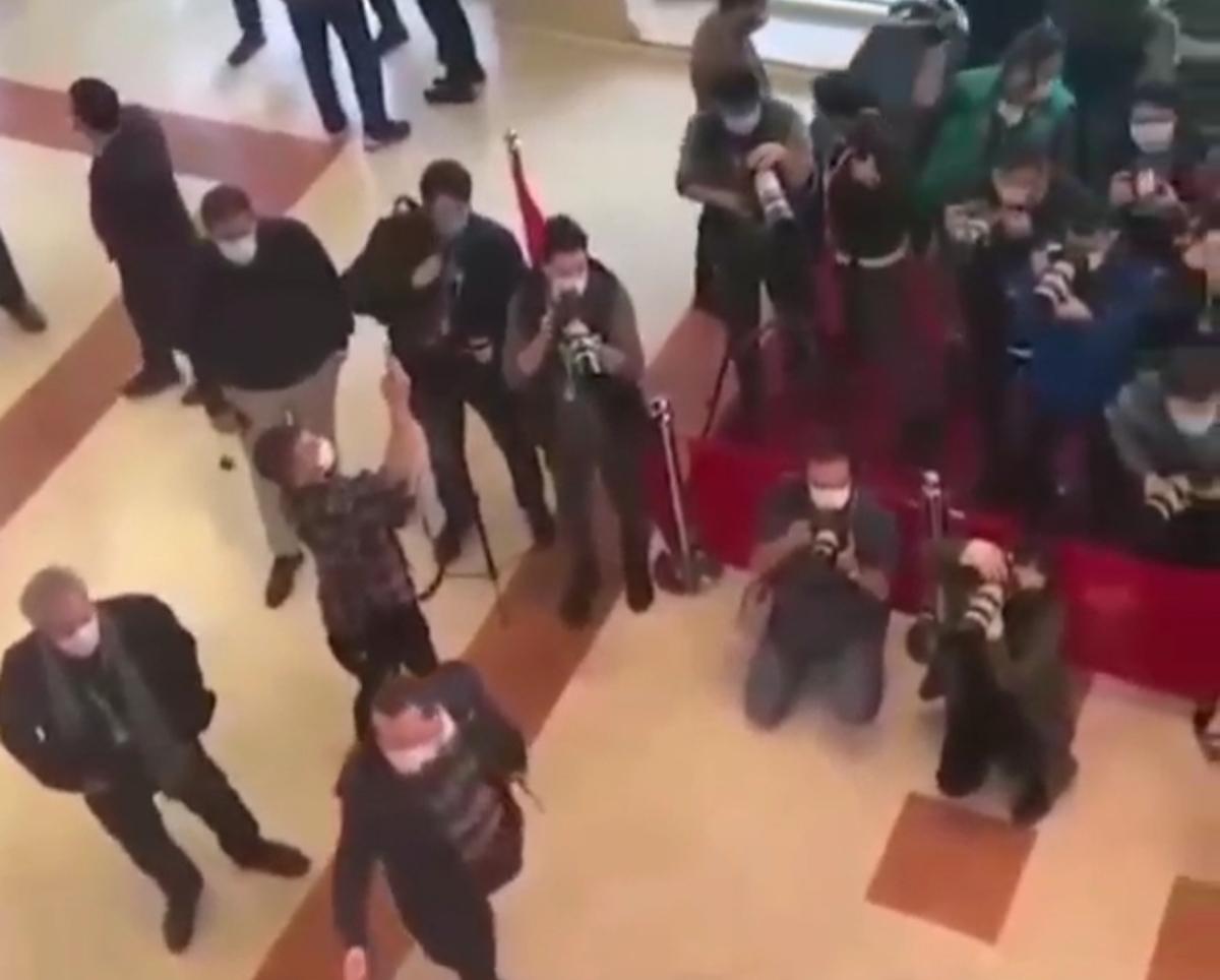 جشنواره فجر بدون فاصلهگذاری اجتماعی! + ویدئو