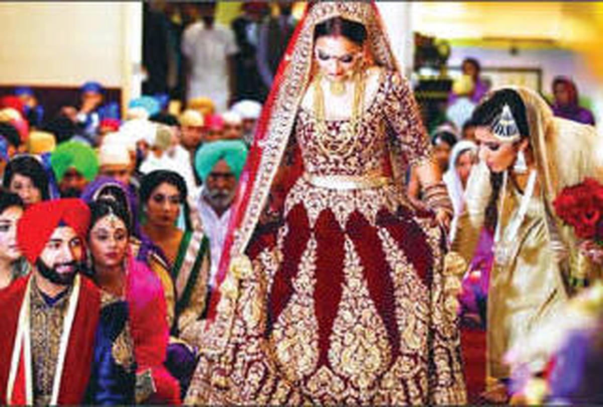 عروسی عجیب در هند+عکس|  عروسی هندی در پرواز هوایی!