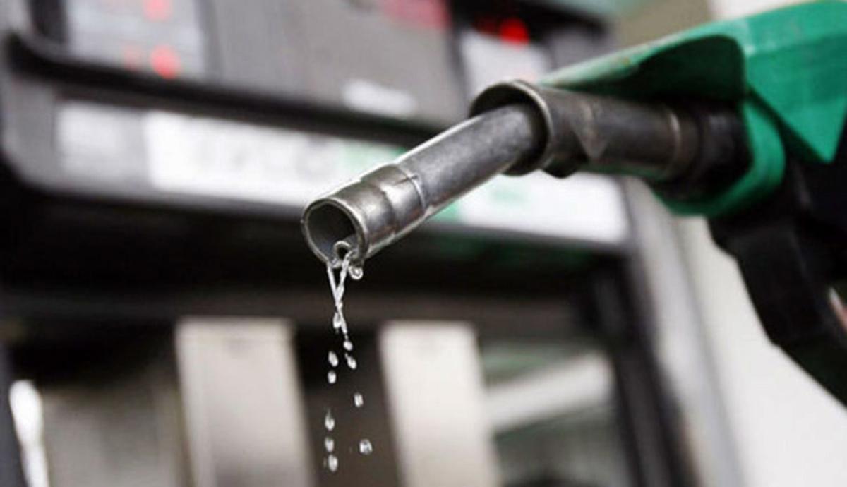 باخت یک تصمیم اشتباه | بررسی پیامد اجرای بیموقع افزایش قیمت بنزین در ساعت صفر