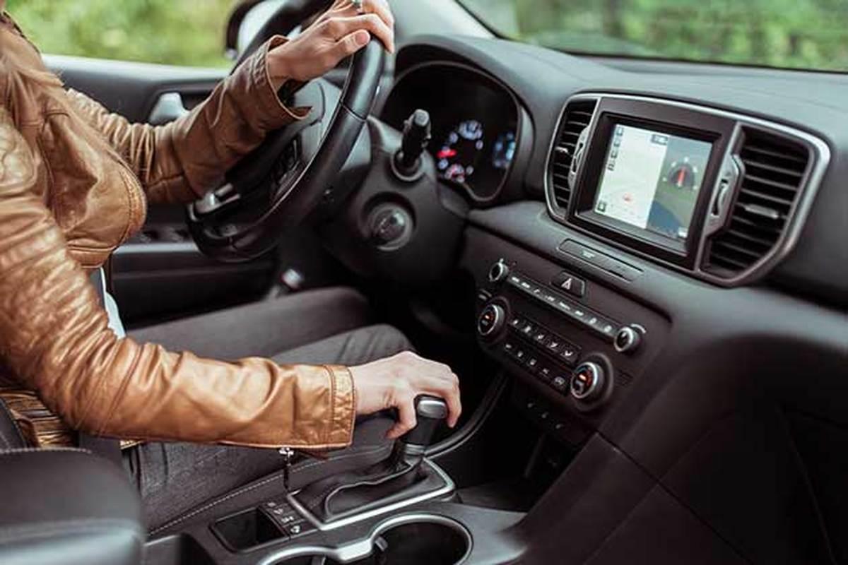 چرا آمریکایی ها بیشتر خودروهای اتوماتیک می رانند و اروپایی ها خودروهای دستی؟