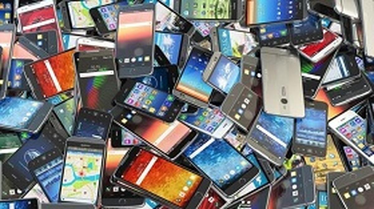 فرار مالیاتی 4 هزار میلیاردی واردات موبایل