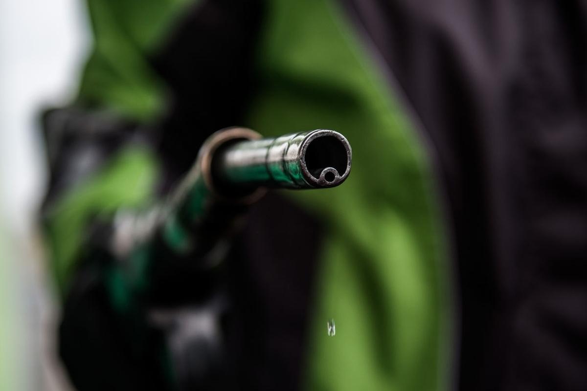 بنزین 1500 تومانی تا انتخابات منتفی شد