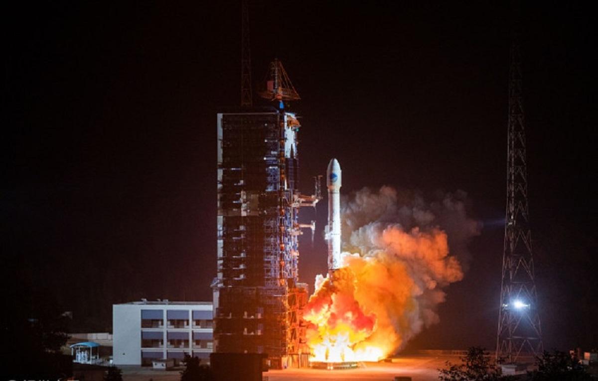 چین یک ماهواره جدید بیدو به فضا پرتاب کرد
