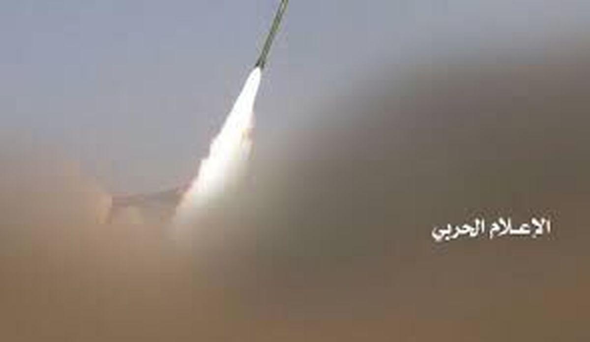 اتاق عملیات نیروهای سعودی هدف حمله موشکی یمنی ها قرار گرفت