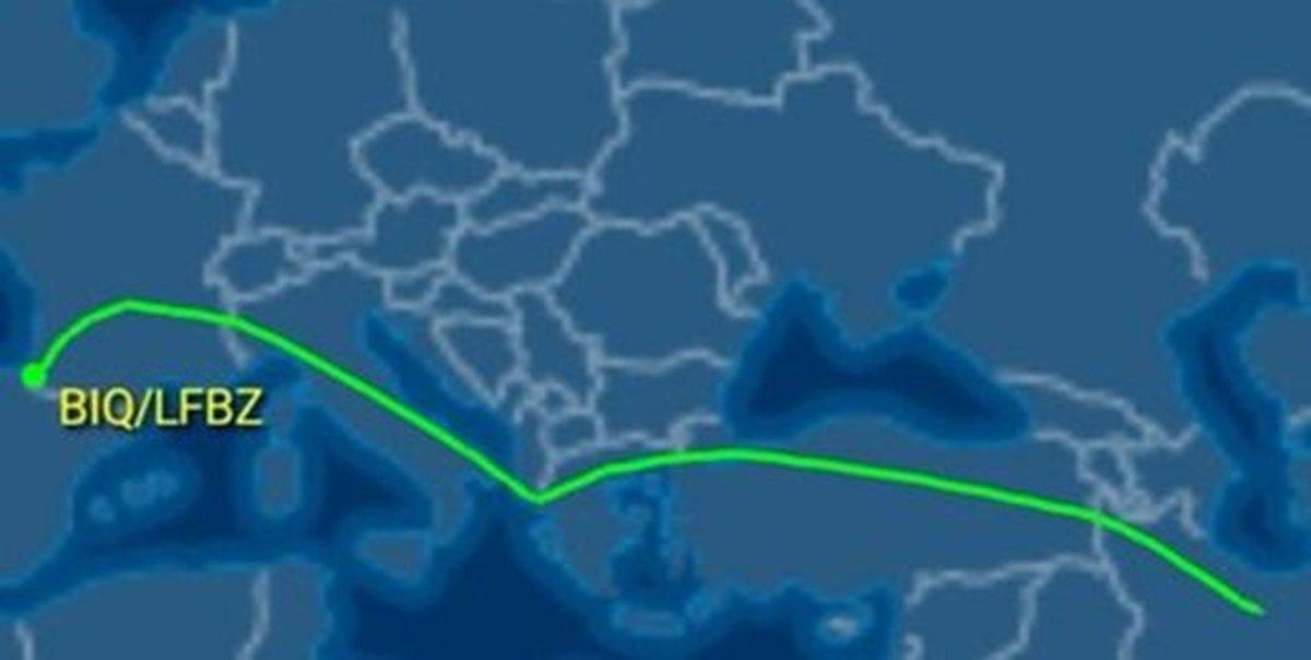 هواپیمای ایرانی در محل برگزاری اجلاس گروه ۷ فرود آمد